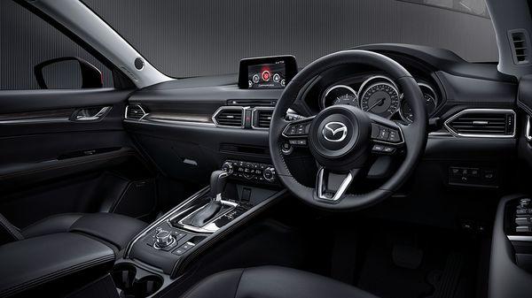 ภายในของ Mazda CX-5 ที่ต้องบอกเลยว่า สวยงาม หรูหรา สะดวกสบาย และบันเทิงครบครัน