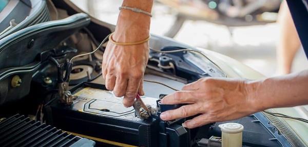 ก่อนออกเดินทางอย่าลืมเช็คแบตเตอรี่รถยนต์มือสองเป็นพิเศษ เพื่อความปลอดภัย