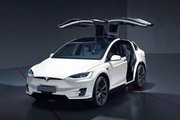 Tesla Model X SUV ระดับ Hi-Performanc