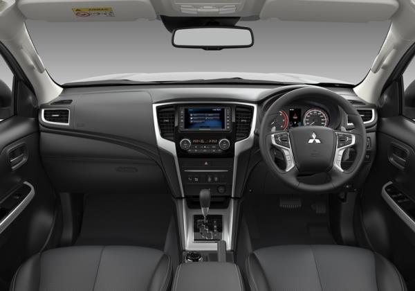 ภายในห้องโดยสารของ Mitsubishi Triton 2019 ไมเนอร์เชนจ์ใหม่