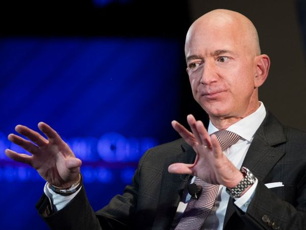 เจฟ เบซอส มหาเศรษฐีเจ้าของ Amazon