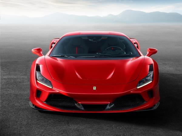 ด้านหน้าของ Ferrari F8 Tributo