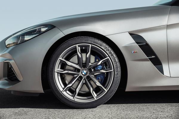 BMW Z4 N40i 2019 มีราคาเริ่มต้นอยู่ที่ 1.62 ล้านบาท