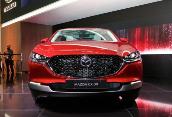 ภายนอกและภายในของ Mazda CX-30 ที่ถูกคาดหมายว่าจะมาแทนที่ CX-3