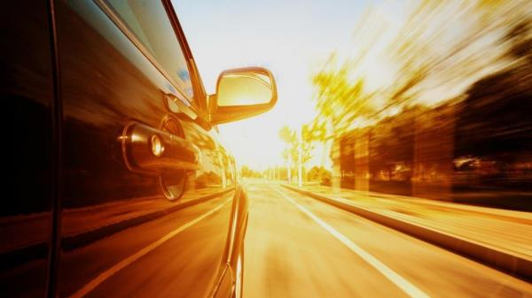 ขับรถในหน้าร้อนควรใส่ใจอะไรบ้าง! มาดู 7 วิธี การดูแลส่วนต่าง ๆ ของรถในซัมเมอร์สุดฮอต