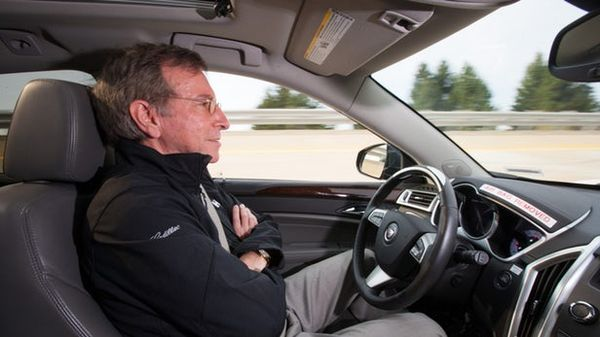 GM เปิดตัว Super Cruise Semi-Autonomous ในรถยนต์คาดิลแลค