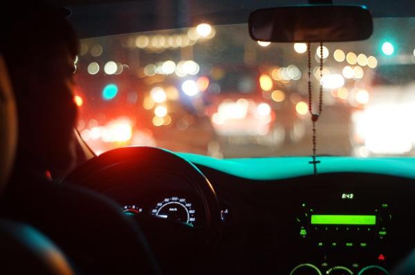 หลาย ๆ คนเกิดอาการประหม่าเมื่อขับรถเข้าสู่ถนนใหญ่ด้วยตัวเองเป็นครั้งแรก