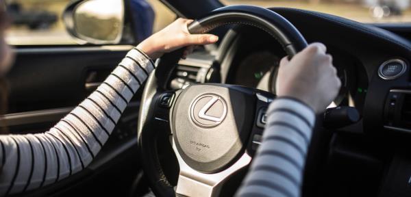 จับพวงมาลัยไม่ถนัดมือ อีกหนึ่งปัญหาของนักขับมือใหม่
