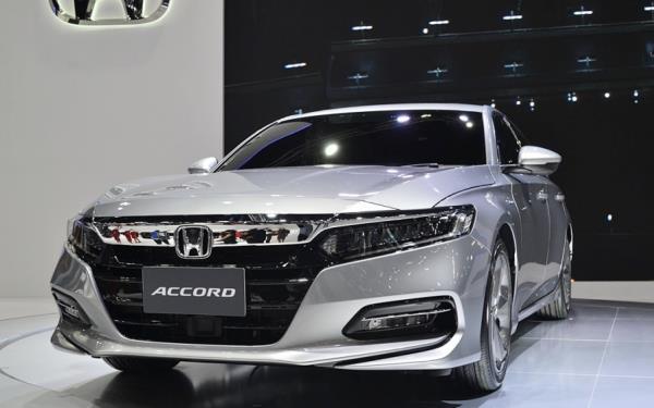 รถที่คนไทยในตลาดรถหลายคนรอคอยในตลาดรถ All New Honda Accord