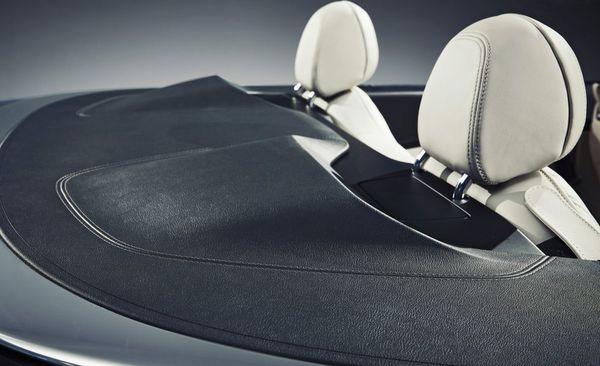 สภาพขณะที่เปิดประทุนของ BMW M850i