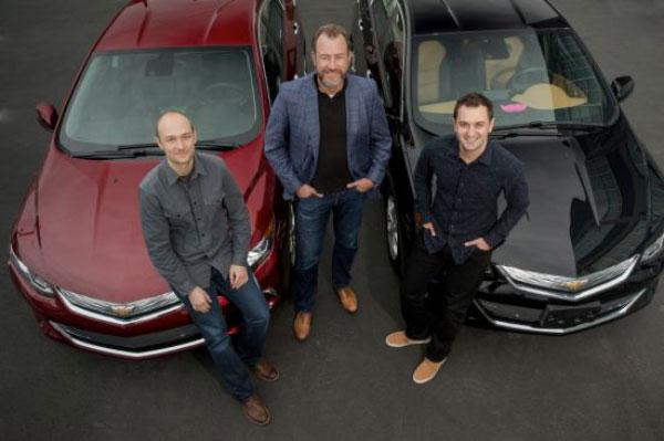 จำนวนใบขับขี่จากกลุ่มคนรุ่นใหม่ลดลงแต่การเพิ่มขึ้นของธุรกิจการให้บริการนั้นเพิ่มขึ้
