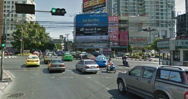 การปฏิบัติตามกฎหมายจราจรอย่างเคร่งครัดจะช่วยทำให้บนท้องถนนมีอุบัติเหตุที่น้อยลง