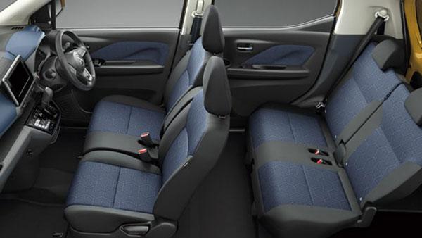 ภายในรถยนต์ Mitsubishi eK X  ที่มาในแบบกะทัดรัด 4 ที่นั่ง