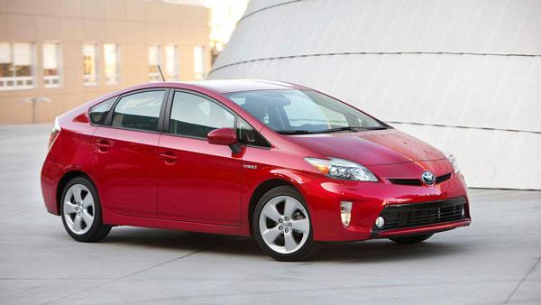 รถยนต์มือสอง Toyota Prius 2012 ที่ยังได้รับความนิดยมจากตลาดรถ