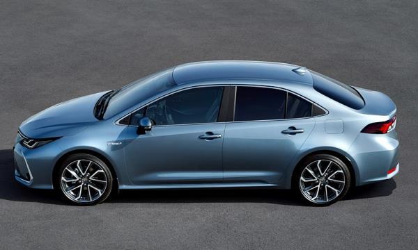 ดีไซน์ภายนอก Toyota Corolla Altis