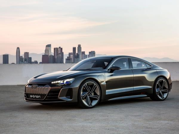 ย้อนรอยอดีตรถหรู Audi