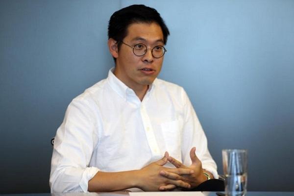Chng Kai Fong กรรมการผู้จัดการของหน่วยงานส่งเสริมด้านการลงทุนของสิงคโปร์ กวักมือเรียกให้มาลงทุนรถยนต์ไฟฟ้า