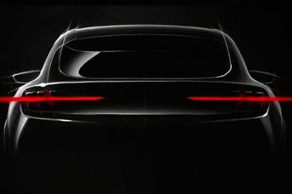 ภาพปล่อย Ford Mustang รุ่น SUV