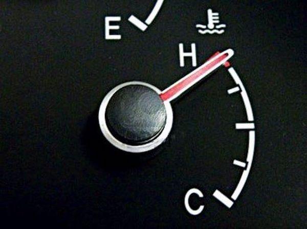 ปัญหาความร้อนขึ้น ควรตรวจสอบเบื้องต้นจากหน้าเกจ์ความร้อนในรถ