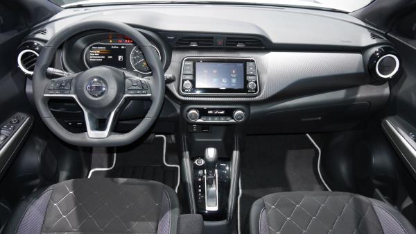 รีวิวการออกแบบภายในห้องโดยสารของ Nissan Juke 2018-2019