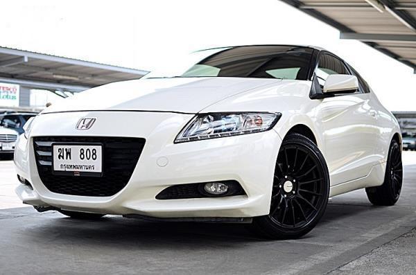 ดีไซน์ของ Honda CR-Z ภายนอกให้อารมณ์เท่ หรูหรา โฉบเฉี่ยว