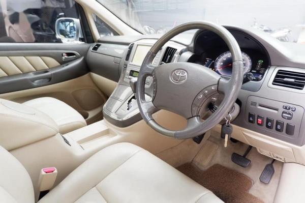 ตลาดรถมือสอง Toyota Alphard Hybrid สภาพดีราคาเริ่มต้นที่ 575,000 บาท