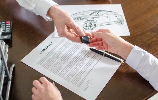 การทำสัญญาซื้อ-ขายรถยนต์ เป็นเรื่องที่เกี่ยวข้องกับกฎหมาย ควรระวังให้ดี