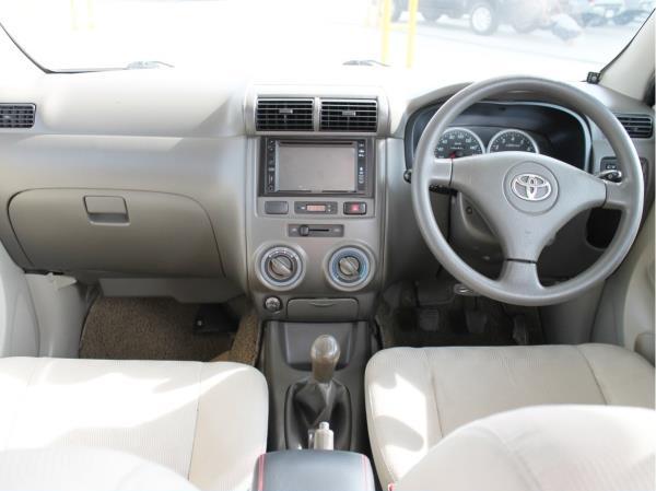 รถครอบครัวมือสอง Toyota AVANZA สภาพดีที่ประกาศขายใน Chobrod