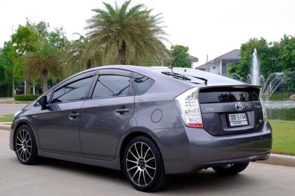 รถยนต์มือสอง Toyota Prius Hybrid สภาพดีที่ประกาศขายใน Chobrod