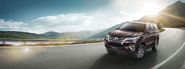 Toyota Fortuner 2.4G 2WD AT