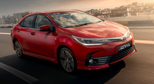 รถยนต์ Toyota Corolla Altis