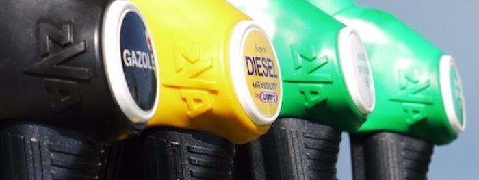 น้ำมันดีเซลมีความสำคัญต่อระบบขนส่งเพราะรถขนส่งส่วนใหญ่ใช้น้ำมันชนิดนี้