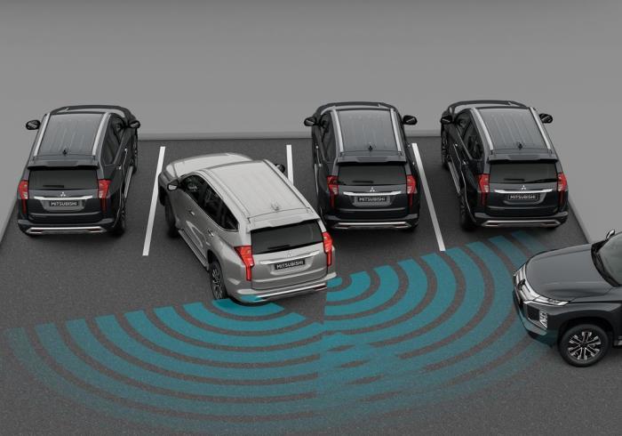 สัญญาณเตือนการกะระยะจอดของทั้งรุ่น 2WD GT และ 4WD GT-Premium