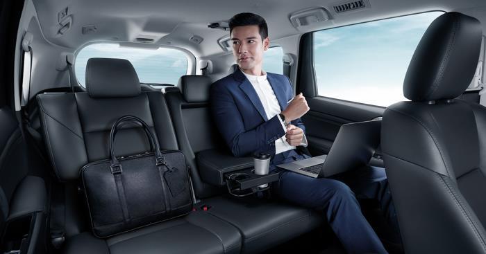 การออกแบบห้องโดยสารที่เน้นความกว้างขวางและสะดวกสบายของ New Mitsubishi Pajero Sport 2019