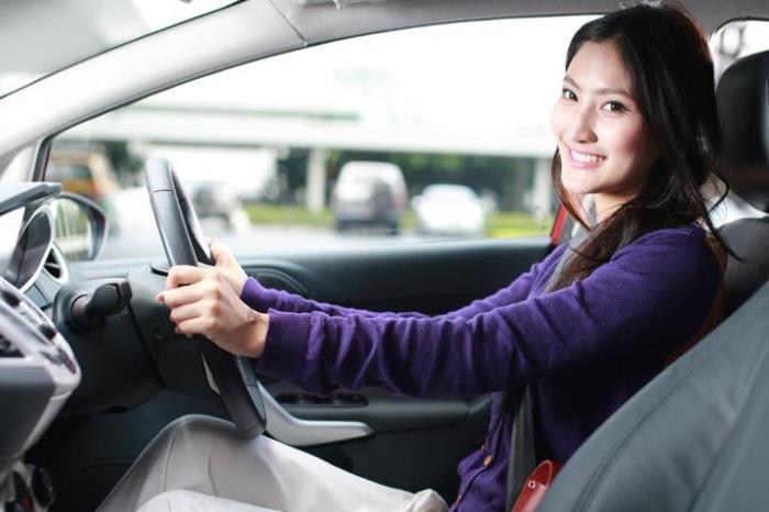 การเลือกซื้อประกันภัยรถยนต์ด้วยความสมัครใจ