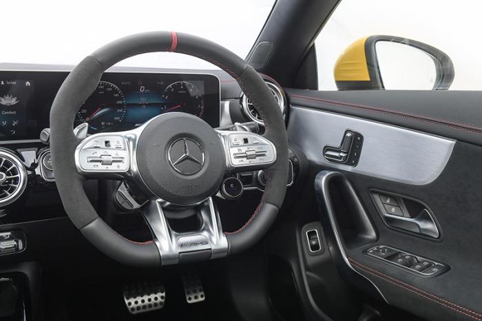 ภายในห้องโดยสาร Mercedes-AMG CLA 35 4MATIC 2020