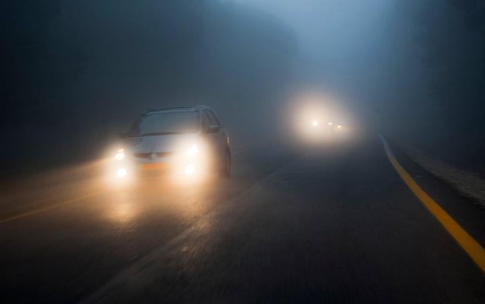เช็กไฟรถยนต์ ดูแลรถหน้าฝน