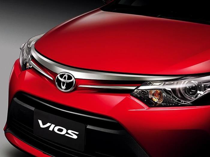 มุมมองด้านหน้า Toyota Vios 2013