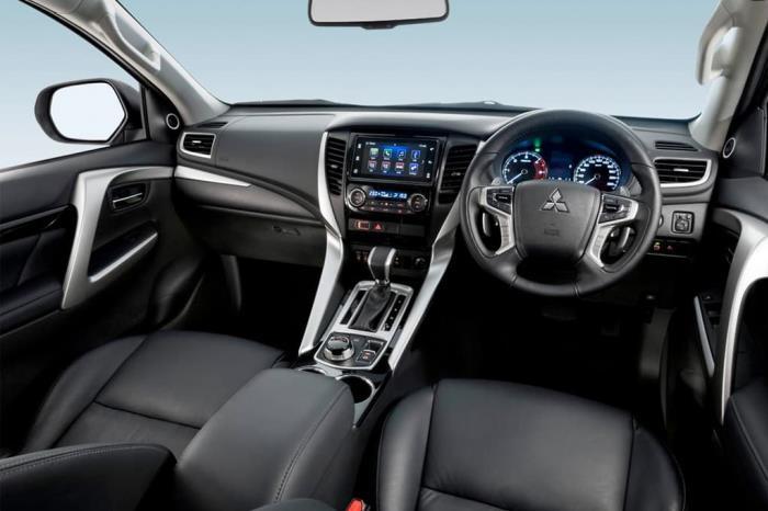 ภายใน Mitsubishi Pajero Sport 2017