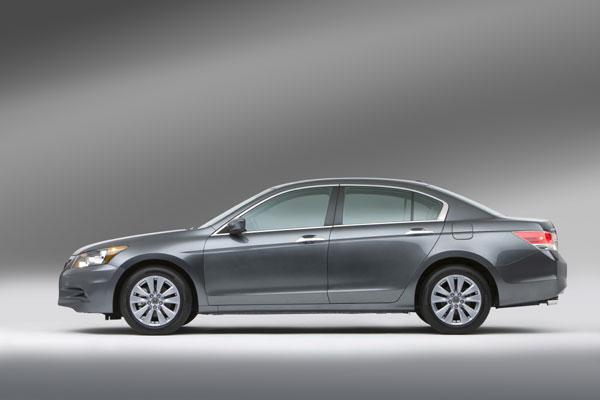 ด้านข้าง Honda Accord  2011