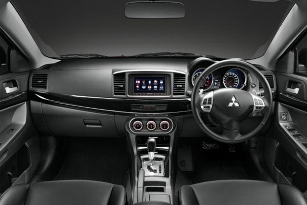 ภายใน Mitsubishi Lancer EX