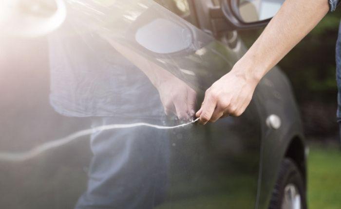 การกรีดรถผู้อื่นมีโทษทางกฎหมาย