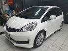 2013 Honda JAZZ SV hatchback -9