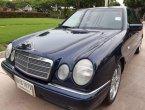 Mercedes-Benz E200 Elegance sedan 1998