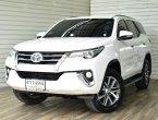 Toyota Fortuner 2.4 V Wagon AT ปี2015 สีขาว  รถสวย  ฟรีดาวน์