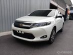 Toyota Harrier รุ่น 2.0 Premium Wagon AT ปี 2014