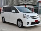 2011 Toyota Noah X Wagon