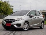 HONDA JAZZ 1.5 V CVT AUTO ปี2014 มีซ่อมศูนย์ให้2ปี รถสวยจัดจัดว่าสวย ไม่ต้องใช้เงินออกรถก็ได้นะบอกให้