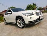 2015 BMW X1, 2.0i, X-Lineโฉม E84 สีขาว เกียร์ออโต้ ไมเนอร์เชนจ์(พวงมาลัยเบาแล้ว) เครื่องยนต์เบนซิน2.0