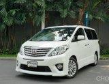 2013 Toyota ALPHARD 2.4 SC  สีขาวเดิมจากโรงงาน ภายในเบาะกำมะหยี่